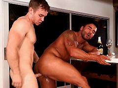 Two horny muscle hunks fucking